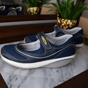 MBT Women's Navy Baridi 2 Shoes- Size 9 - 9.5